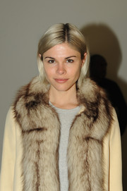 Emily Weiss looked youthful and cute with her short straight 'do at the Rodarte fashion show.