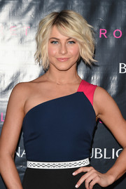 If there is one celebrity that can pull off a short messy cut, it's Julianne Hough!