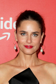 Amanda Peet wore her hair in a casual ponytail at the New York premiere of 'The Romanoffs.'