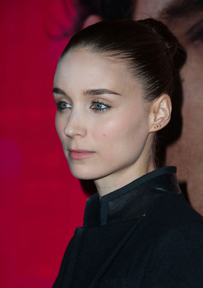 Rooney Mara Gold Studs [hair,face,hairstyle,eyebrow,chin,lip,beauty,fashion,forehead,cheek,arrivals,rooney mara,california,los angeles,dga theater,warner bros. pictures,premiere,premiere]