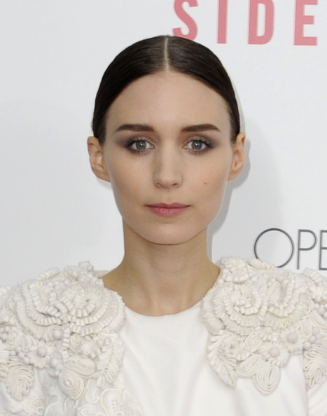 Rooney Mara Neutral Eyeshadow