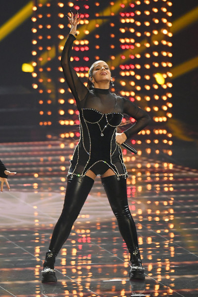 Rosalía Ankle Boots [performance,performing arts,performance art,event,dancer,rosal\u00e3 a,mtv video music awards,newark,new jersey,prudential center,show]