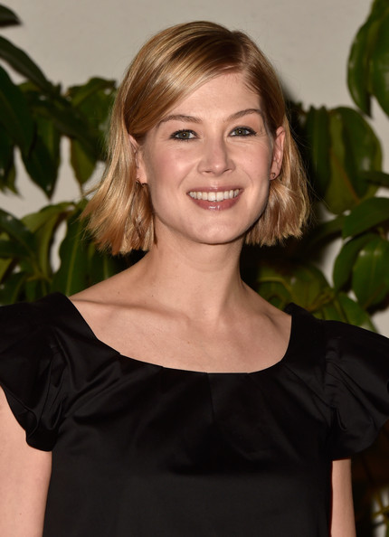 Rosamund Pike Short Side Part [hair,hairstyle,blond,shoulder,beauty,smile,brown hair,lip,long hair,dress,rosamund pike,dom perignon,w magazine celebrates the best performances portfolio,best performances portfolio,chateau marmont,california,los angeles,golden globes with cadillac,w magazine,celebration]
