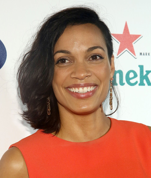 Rosario Dawson Short Wavy Cut [hair,face,hairstyle,eyebrow,chin,skin,lip,forehead,smile,black hair,rosario dawson,rooftop lounge,new york city,dream downtown,ph-d,kick-off party,2013 us open]