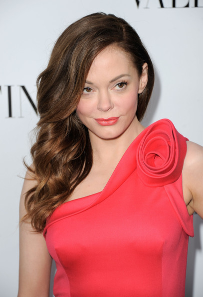 Rose McGowan Side Sweep