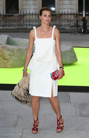 Yasmin Le Bon rocked a super modern structured whit frock at the Royal Academy of Arts Summer Exhibit.