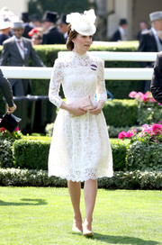 Kate Middleton looked absolutely divine in a white lace dress by Alexander McQueen during day 1 of Royal Ascot 2017.