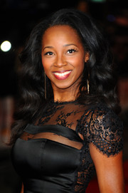 Jamelia wore a lovely high-volume wavy 'do at the 'Mandela' screening in London.