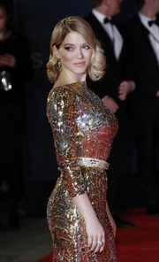 Lea Seydoux complemented her glittery dress with a diamond ring by Chopard for the Royal Film Performance of 'Spectre.'