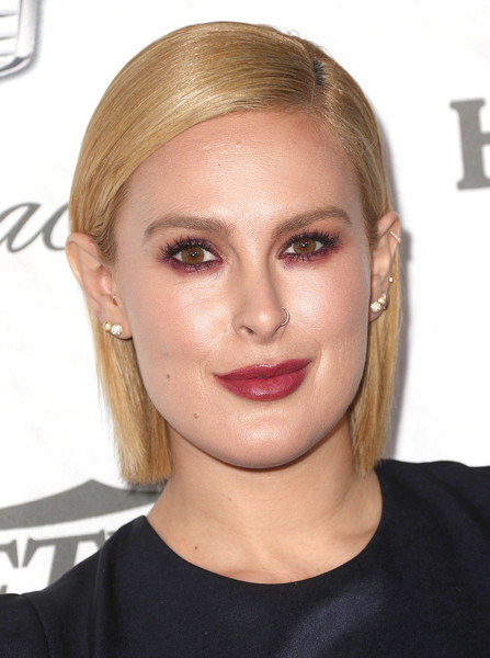 Rumer Willis Side Parted Straight Cut