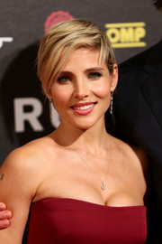 Elsa Pataky looked edgy-chic with her short side-parted 'do at the Rome premiere of 'Rush.'