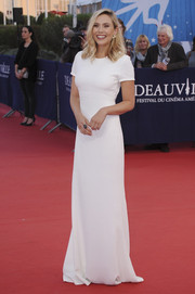Elizabeth Olsen went for fuss-free sophistication in a short-sleeve white Calvin Klein column dress at the Deauville American Film Festival premiere of 'Ruth and Alex.'