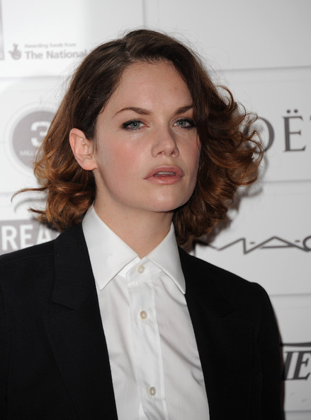 Ruth Wilson Curled Out Bob [moet british independent film awards 2011,hair,hairstyle,white-collar worker,suit,chin,forehead,businessperson,long hair,formal wear,tuxedo,arrivals,ruth wilson,london,england,old billingsgate market,the moet british independent film awards]