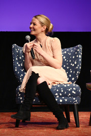 Jennifer Morrison attended the 'Once Upon a Time' Q&A session during aTVfest 2017 wearing a pair of black knee-high boots by Stuart Weitzman.