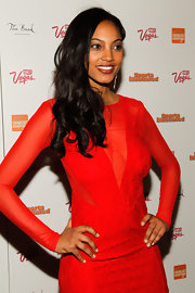 Ariel Meredith attended a 'Sports Illustrated' event in Las Vegas wearing a pale peachy-beige nail polish.