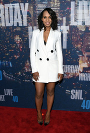Kerry Washington looked playfully chic at the SNL 40th anniversary celebration in a white Adam Lippes blazer dress adorned with huge black buttons.