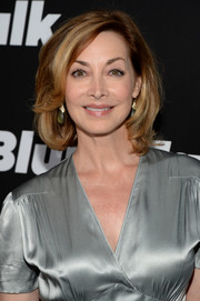 Sharon Lawrence looked elegant wearing this bob at the 'Blunt Talk' series premiere.