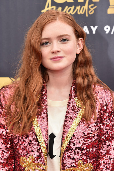 Sadie Sink Long Wavy Cut