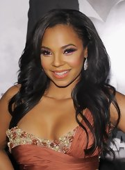 Ashanti wore a bright purplish-pink eyeshadow at the NYC premiere of 'Safe House.'