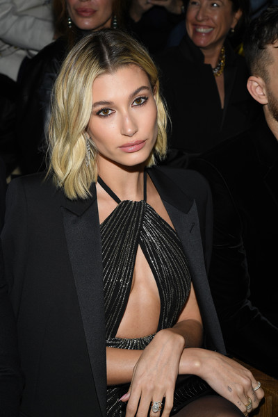 More Pics of Hailey Bieber Engagement Ring (1 of 4) - Hailey Bieber Lookbook - StyleBistro
