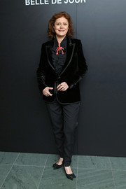 Susan Sarandon completed her outfit with a pair of black trousers.