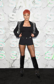 For her shoes, Halsey chose a pair of embellished velvet boots that perfectly matched her jacket.