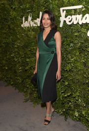 Ferragamo evening sandals with metallic arched heels added an ultra-modern punch to Freida Pinto's outfit.