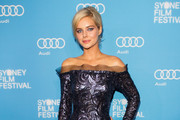 Samara Weaving Off-the-Shoulder Dress