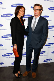 Black satin peep-toe pumps were a sophisticated addition to Rebecca's ensemble at a Samsung event in Sydney.