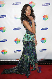 Selita strutted the red carpet in a BCBG Max Axria print dress reminiscent of a van Gogh painting.