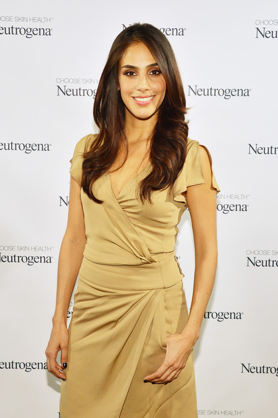 Jennifer Garner Glows at Neutrogena Sun Summit