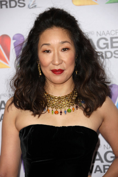 Sandra Oh Half Up Half Down [hair,hairstyle,beauty,lip,black hair,long hair,fashion accessory,hair coloring,jewellery,brown hair,arrivals,sandra oh,the shrine auditorium,los angeles,california,naacp image awards]