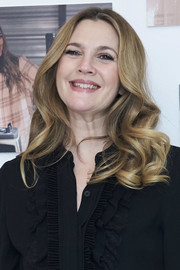 Drew Barrymore looked oh-so-sweet wearing this curly hairstyle at the 'Santa Clarita Diet' photocall in Madrid.