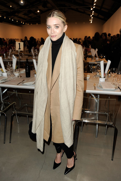 More Pics of Ashley Olsen Pashmina (1 of 3) - Ashley Olsen Lookbook - StyleBistro