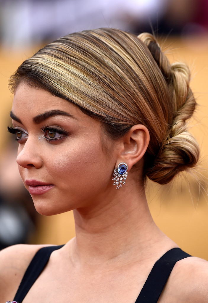 Sarah Hyland French Twist Updos Lookbook Stylebistro