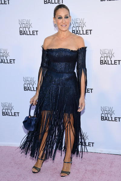 Sarah Jessica Parker Satin Purse [fashion model,flooring,shoulder,joint,dress,hairstyle,cocktail dress,catwalk,little black dress,carpet,sarah jessica parker,new york city,lincoln center,david h. koch theater,new york city ballet,2017 fall fashion gala]