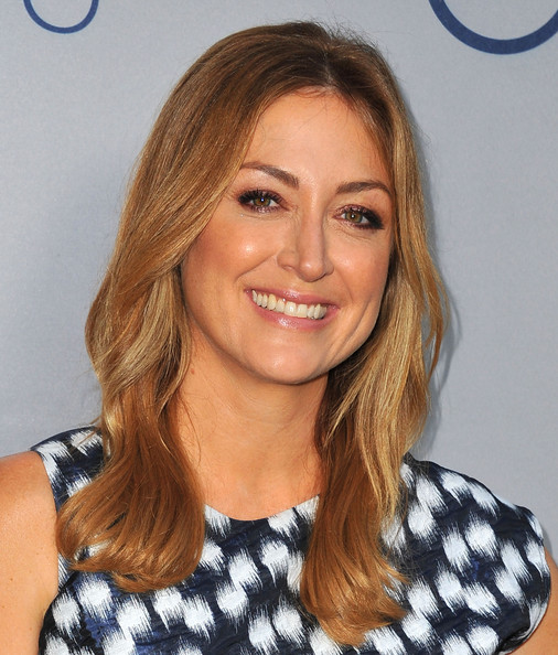 Sasha Alexander Long Wavy Cut