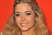 Sasha Pieterse Half Up Half Down