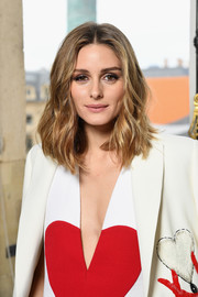 Olivia Palermo looked stylish with her textured waves at the Schiaparelli Couture show.