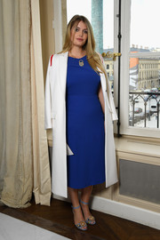 Kitty Spencer pulled her ensemble together with a pair of embellished blue sandals.