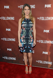 Natalie Zea rocked a cool printed dress at the red carpet of 'The Following.'