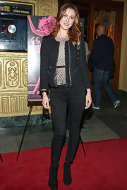 Eva stuck to classic skinny jeans for her casual red carpet look.