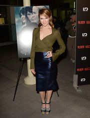 Katie chose this metallic midnight blue pencil skirt to bring some shine to her look!