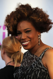 Macy Gray showed off her short curls while walking the red carpet at the 'Killers' premiere.
