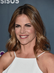 Natalie Morales showed off a lovely wavy hairstyle at the finale screening of 'This Is Us.'