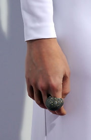 Gwyneth Paltrow wore an 18-karat gold and silver ring with diamonds to the premeire of 'Country Strong.' The statement ring was the only jewelry the megastar chose and it was just right, adding the perfect amount of glitz to her look.