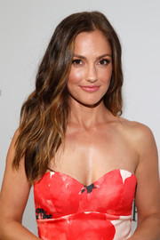 Minka Kelly wore her tresses down with subtle waves when she attended the launch of the Parker Institute for Cancer Immunotherapy.
