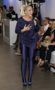 Lafee looked all set for a sparkling performance in her beaded blue outfit and glittery platform pumps.