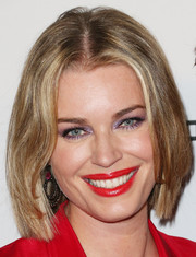 Rebecca Romijn showed off a fresh new bob at the Baby2Baby Gala.