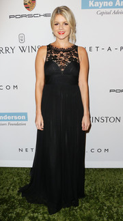 Ali Fedotowsky exuded ladylike elegance in a flowy black lace-panel gown at the Baby2Baby Gala.